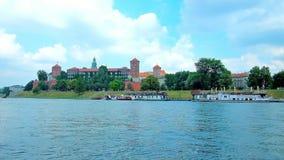 Chodzi Vistula bulwar, Krakow, Polska zbiory wideo