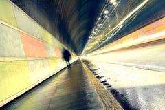 Chodzić w tunel Zdjęcie Royalty Free