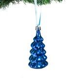 Choinek dekoracje - błękitny jedlinowy drzewo pojedynczy białe tło Zdjęcie Stock