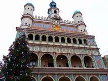 Choinka i fasada Renesansowy urząd miasta Fotografia Stock