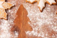 Choinka kształt i miodowników ciastka Obraz Stock