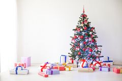 Choinka udziały prezenty nowego roku wystrój Zdjęcie Royalty Free