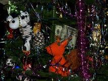 Choinka z pięknymi zabawkami Zdjęcia Royalty Free