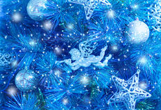 Choinki błękitny tło Zdjęcia Royalty Free