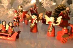 Choinki dekoracja z wodden ornamenty z odbiciem Zdjęcia Stock