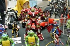 Choisi centre du nombre d'actions de caractère d'IRON MAN des bandes dessinées et des films d'Iron Man de merveille images libres de droits
