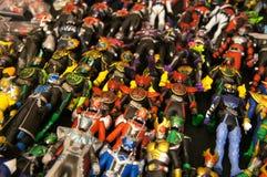 Choisi s'est concentré sur le nombre d'actions de caractère fictif de la série populaire japonaise KAMEN RIDER photographie stock libre de droits
