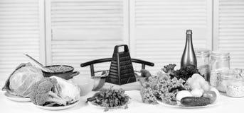 Choisissez un mode de vie sain sain frais Recette culinaire Pr?paration et culinaire Cuisson saine de nourriture dieting photo libre de droits