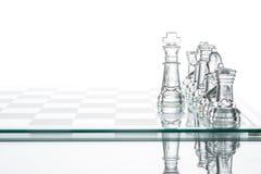 Choix d'affaires de stratégie corporate, grou en verre transparent d'échecs Image stock