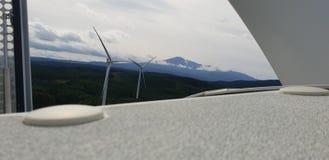 Chokai del Mt y opinión de los molinoes de viento foto de archivo libre de regalías