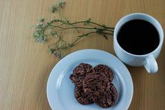 Choklad Chip Cookies och java kaffe Royaltyfri Bild