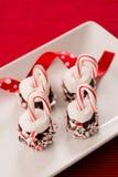Choklad doppade marshmallower med godisrottingar Arkivfoto