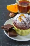 Choklad- och apelsinmuffin med kaffe Royaltyfri Fotografi