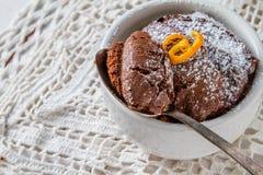 Choklad- och apelsinmuffin med kaffe Royaltyfria Foton
