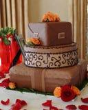 chokladbröllop för 2 cake Arkivbild