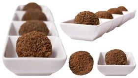 Chokladefterrätter som isoleras på white Arkivfoto