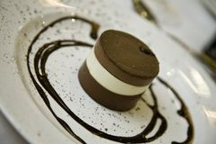 chokladefterrättlyx Arkivfoton