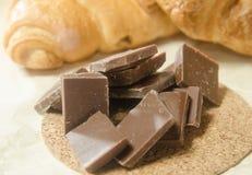 Chokladen på bakgrunden av giffel Fotografering för Bildbyråer