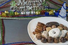 Choklader och typisk spanjor för polvorones royaltyfria bilder
