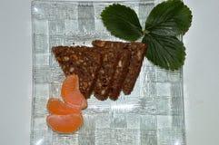chokladkaka i form av trianglar Fotografering för Bildbyråer