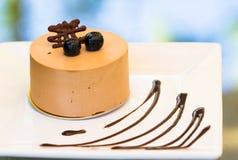 Chokladkaka med buleberry Royaltyfria Bilder