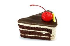 Chokladkaka med den röda körsbäret Royaltyfri Fotografi