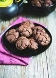 Chokladkakor med te Royaltyfri Foto