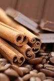 chokladkanelkaffe fotografering för bildbyråer