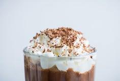 Chokladmilkshake på den lantliga bakgrunden Royaltyfri Fotografi