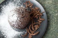 Chokladmuffin med strimlade stycken Royaltyfri Bild