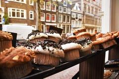 Chokladmuffinbeackground av Amsterdam Netherland Kaka Arkivfoto