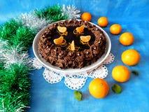 Chokladostkaka som dekoreras med mandariner Arkivfoton
