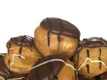 chokladprofiteroles Royaltyfri Foto