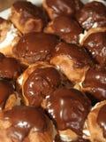 chokladprofiteroles Royaltyfri Fotografi