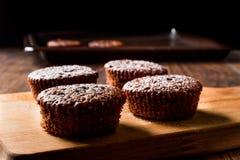 ChokladSouffle med pudrat socker Arkivfoto
