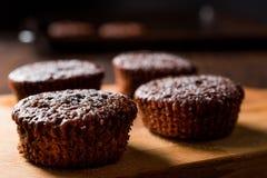 ChokladSouffle med pudrat socker Arkivbilder