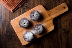 ChokladSouffle med pudrat socker Royaltyfria Bilder