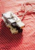 Chokladstång med vit- och svartchoklad Arkivfoto