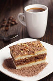 Chokladtårta och kaffe Arkivbild