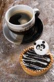 Chokolate-Kuchen auf hölzernem Hintergrund Stockfotografie