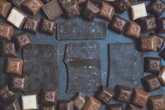 Chokolate sur le fond de granit image stock