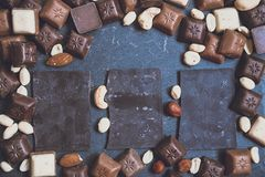 Chokolate sur le fond de granit photographie stock libre de droits