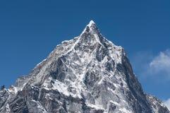 Cholatse在Thukla通行证,珠穆琅玛地区,尼泊尔的山峰 图库摄影