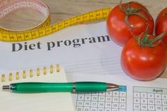 Cholesterindiät und Ernährungskonzept gesunden Lebensmittelessens mit sauberem Gemüse Früchte und Vitamine stockfotos