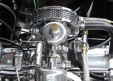 Chome e motore d'annata d'acciaio dell'automobile sportiva Immagini Stock Libere da Diritti