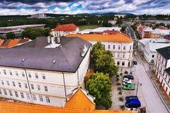 2016-06-18 Chomutov市,捷克共和国-从&#x27的北看法; Mestska Vez'对历史Chomutov镇的塔 库存图片