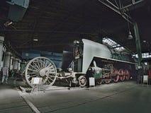 2016/08/28 - Chomutov,捷克共和国绿的明确蒸汽机车375 025与100 km/h的最大速度从早20的 免版税库存照片