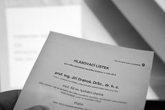 Chomutov, Τσεχία - 12 Ιανουαρίου 2018: εισιτήριο εκλογής για τις τσεχικές προεδρικές εκλογές, συγκεκριμένα με τον υποψήφιο Στοκ Φωτογραφία