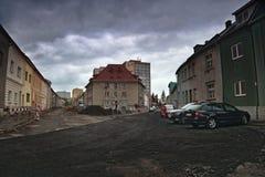 Chomutov, Horni Ves, republika czech - Kwiecień 22, 2017: skrzyżowanie ulicy Rooseveltova i Safarikova podczas odbudowy przy Fotografia Royalty Free