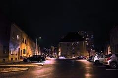 Chomutov, republika czech - Styczeń 05, 2017: nighty Safarikova ulica po odbudowy podczas deszczu Fotografia Stock